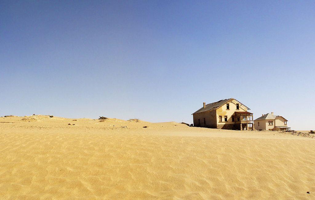 kolmanskop6 Abandoned Kolmanskop Ghost Town in Namibia