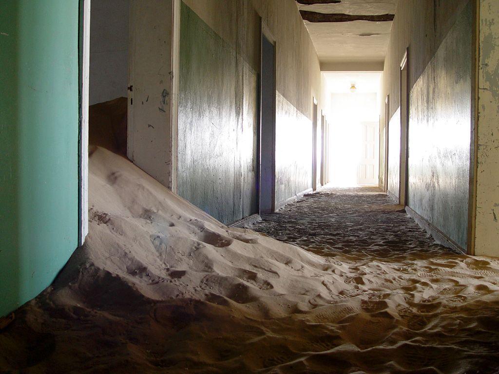 kolmanskop9 Abandoned Kolmanskop Ghost Town in Namibia