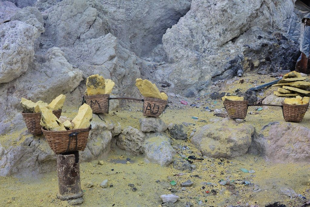 kawah ijen5 Sulfur Mine   Kawah Ijen, Indonesia