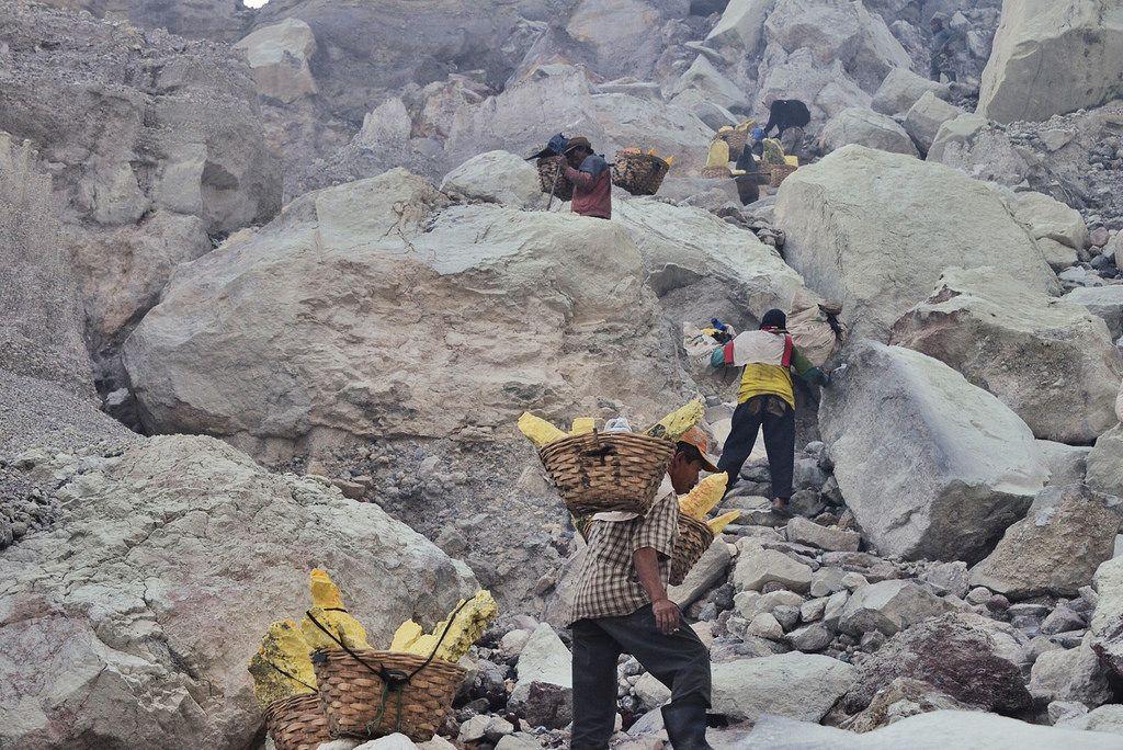 kawah ijen8 Sulfur Mine   Kawah Ijen, Indonesia