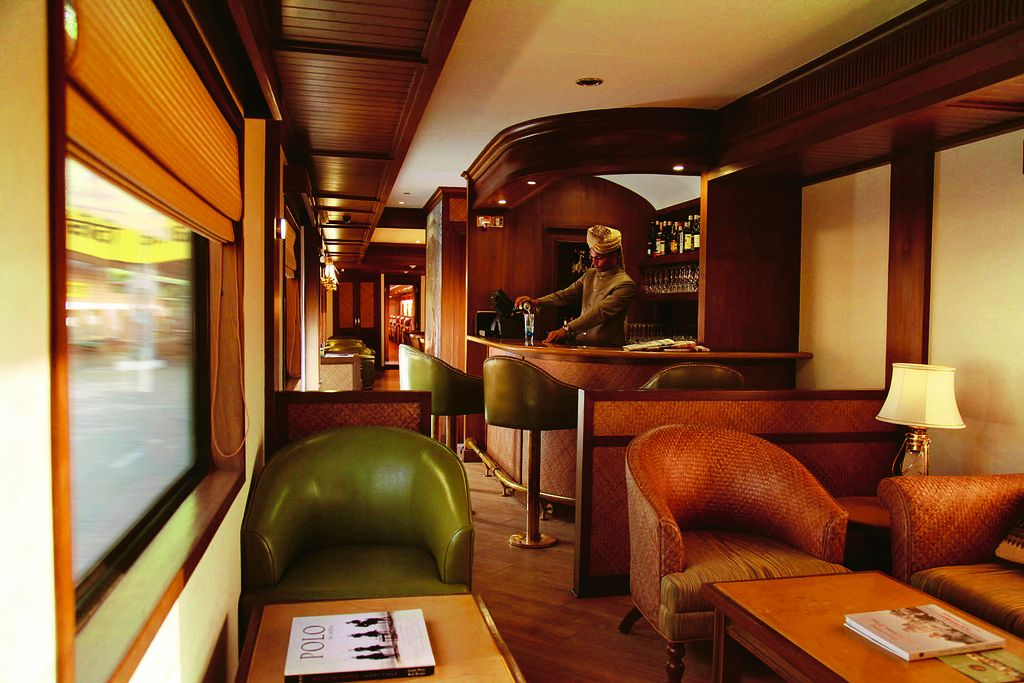 maharaja express3 Maharajas Express   One of the Most Luxurious Trains in World