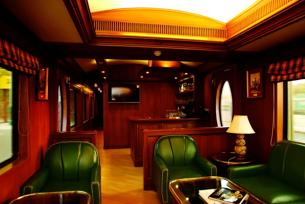 maharaja express8 Maharajas Express   One of the Most Luxurious Trains in World