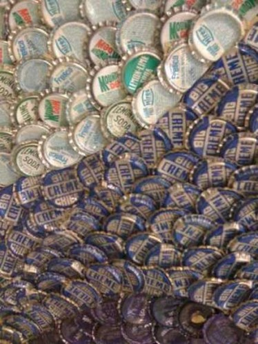 bottle caps7 374x499 Bottle Caps Art