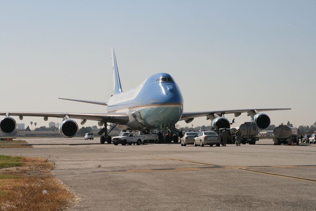 air force one10 Air Force One   The Safest Airplane in the World