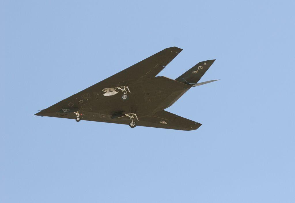 f 11712 Lockheed F 117 Nighthawk Still in Service