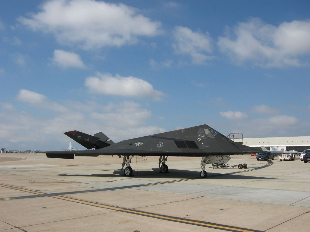 f 1176 Lockheed F 117 Nighthawk Still in Service