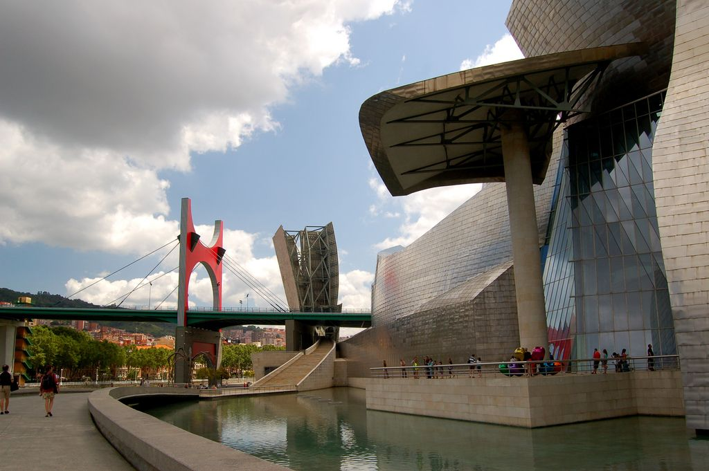 guggenheim museum1 Amazing Building of Guggenheim Museum in Bilbao