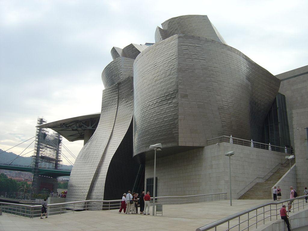 guggenheim museum12 Amazing Building of Guggenheim Museum in Bilbao