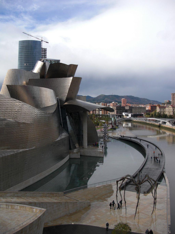 guggenheim museum9 Amazing Building of Guggenheim Museum in Bilbao