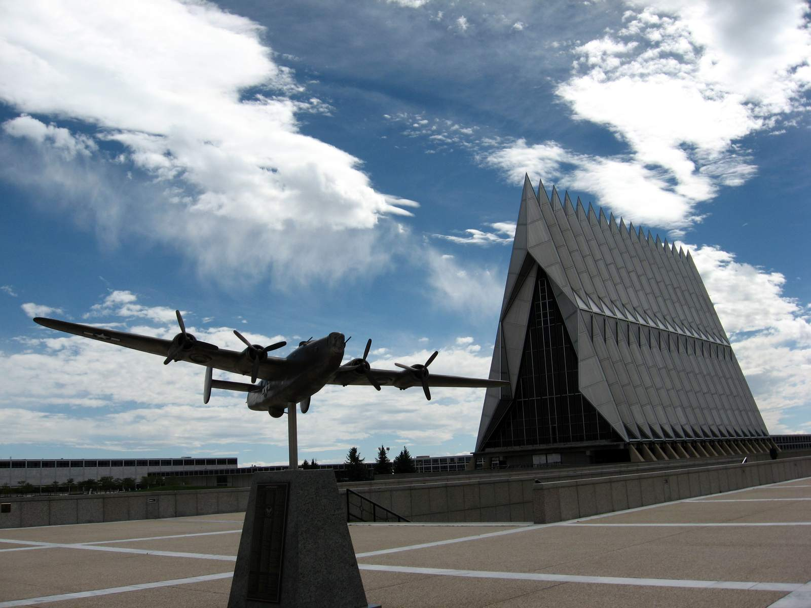 air force academy2 Amazing Buildings   Air Force Academy Chapel