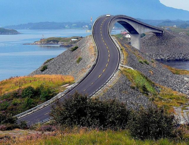 atlantic road Atlanterhavsveien   Best Road Trip in Norway