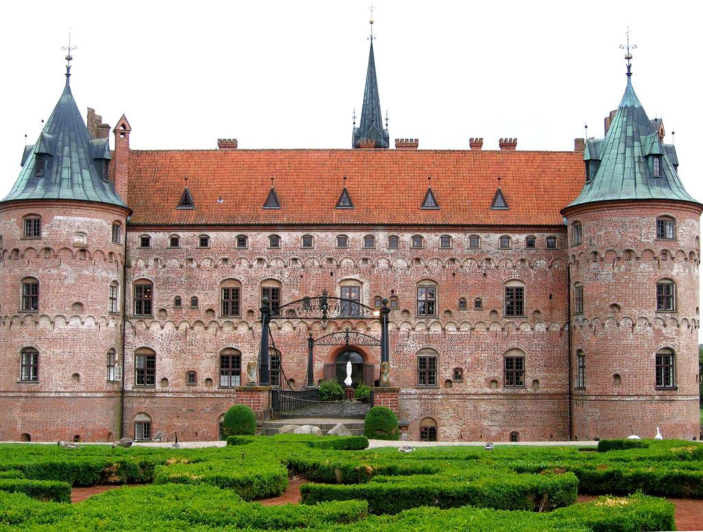 egeskov9 Egeskov Renaissance Water Castle in Denmark
