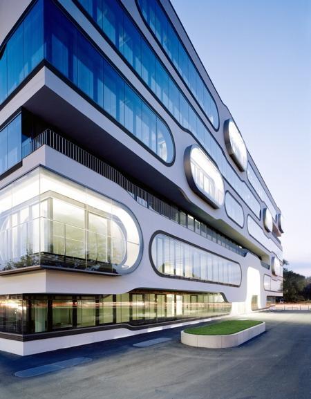 der alster1 Extravagant Office Complex