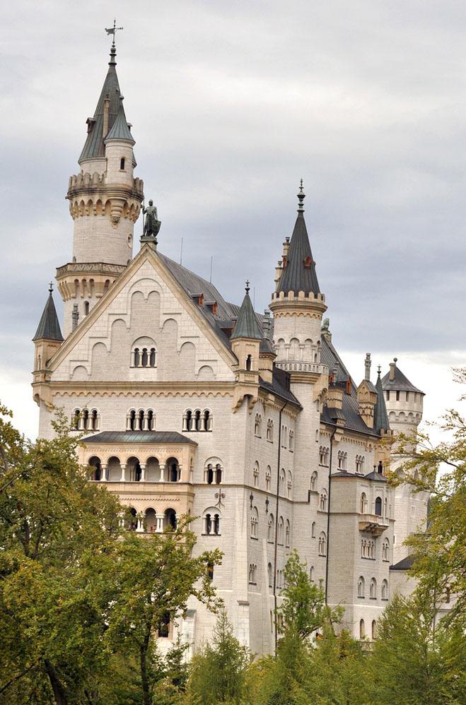 neuschwanstein castle15 Fairy Tale Castle Neuschwanstein in Bavaria