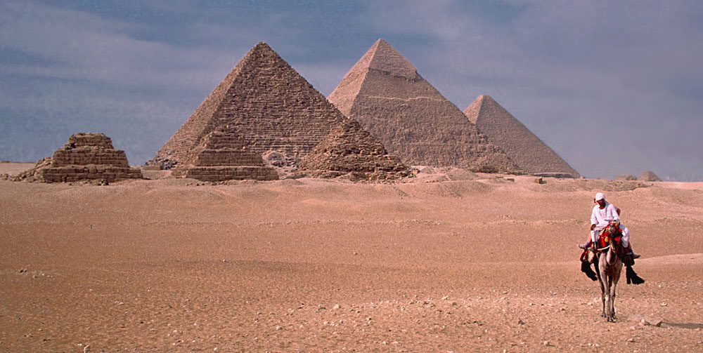 egyptian pyramids1 The Great Pyramids of Giza, Egypt