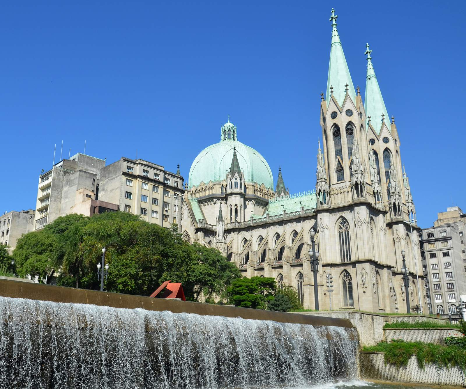 metropolitan cathedral2 Metropolitan Cathedral of Sao Paulo, Brazil