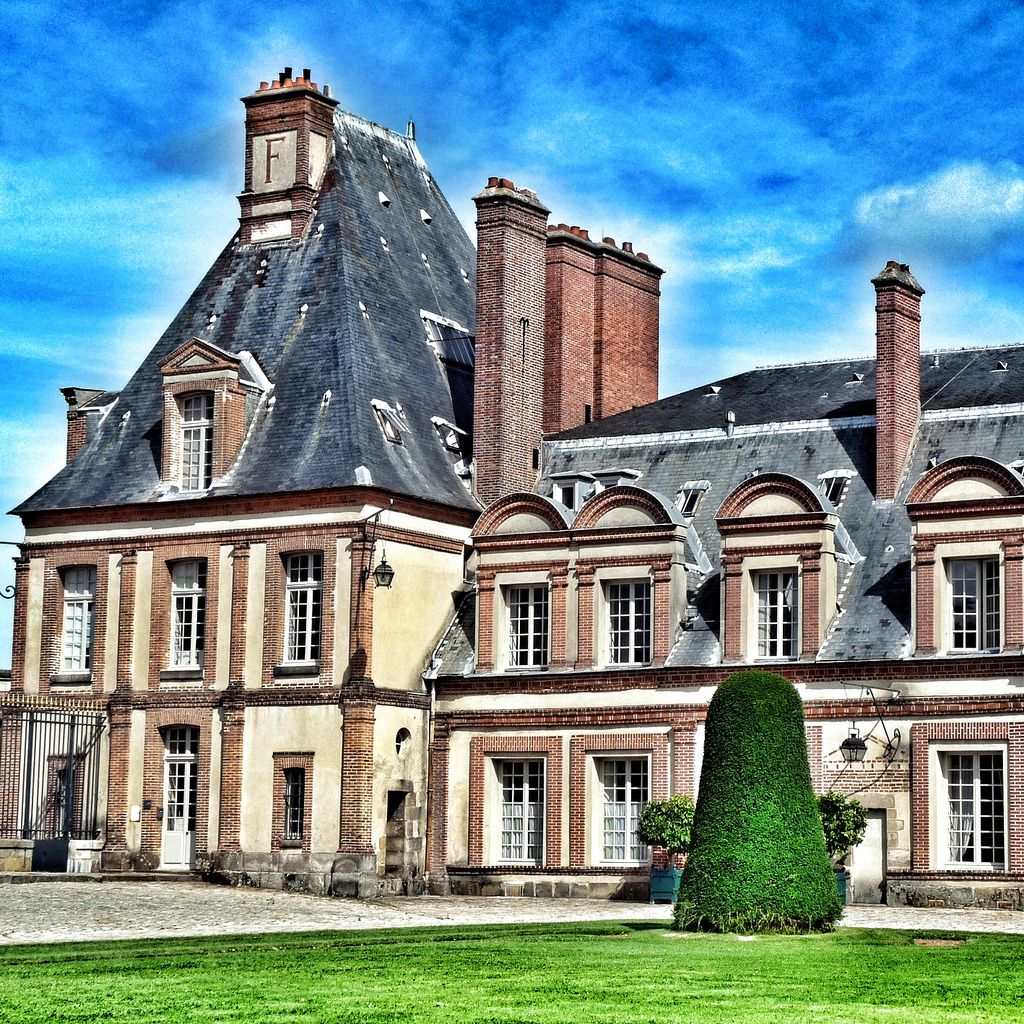 chateau  fontainebleau12 Palace of Fontainebleau   One of the Largest French Royal Chateaux