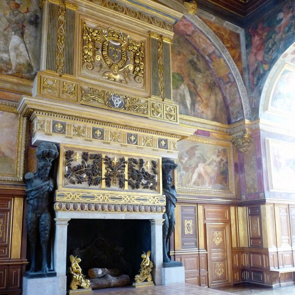 chateau  fontainebleau2 Palace of Fontainebleau   One of the Largest French Royal Chateaux