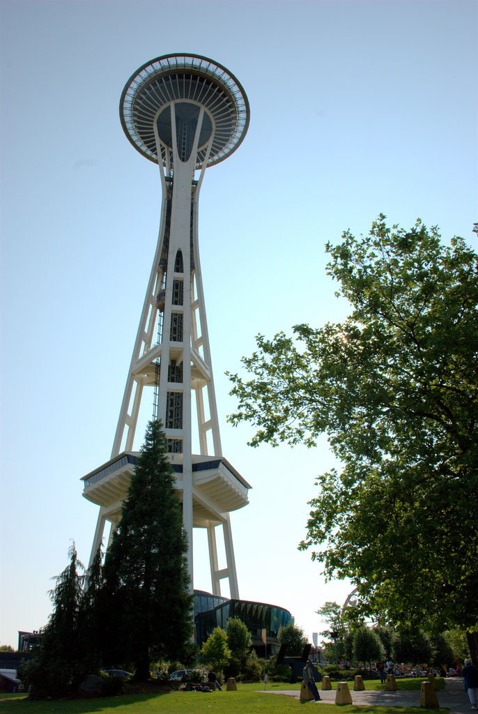 space needle6 Pictures of Futuristic Space Needle in Seattle