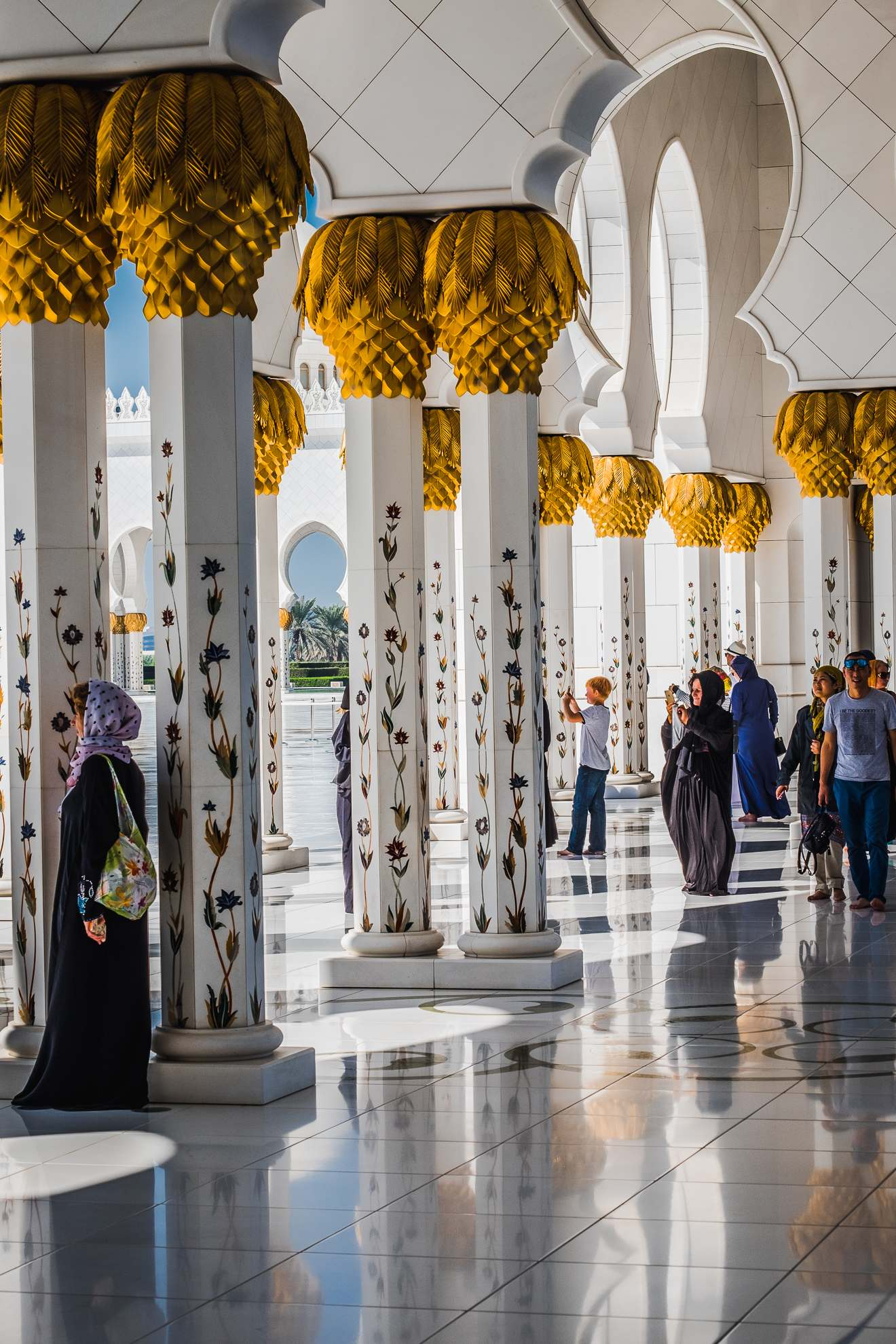 sheikh zayed grand mosque10 Picturesque Sheikh Zayed Grand Mosque in Abu Dhabi