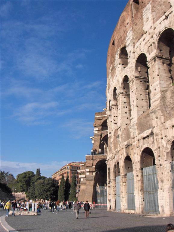 rome colosseum14 Rome Colosseum An Imposing and Beautiful Sight