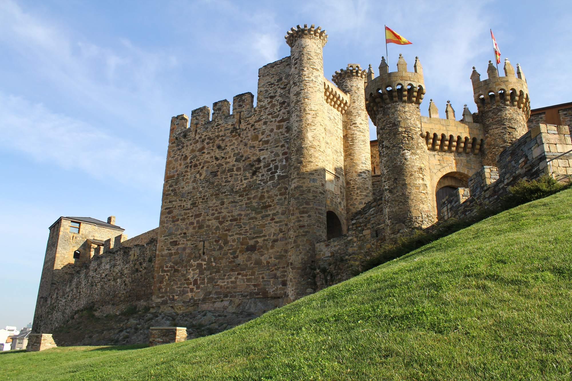 castle ponferrada1 Templar Castle of Ponferrada, Spain