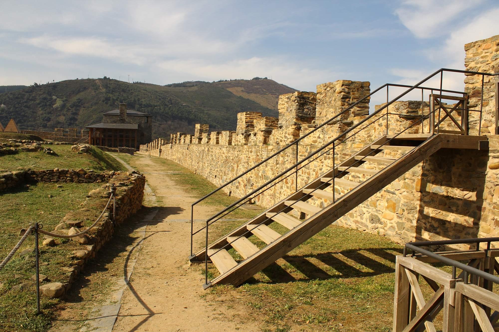 castle ponferrada18 Templar Castle of Ponferrada, Spain