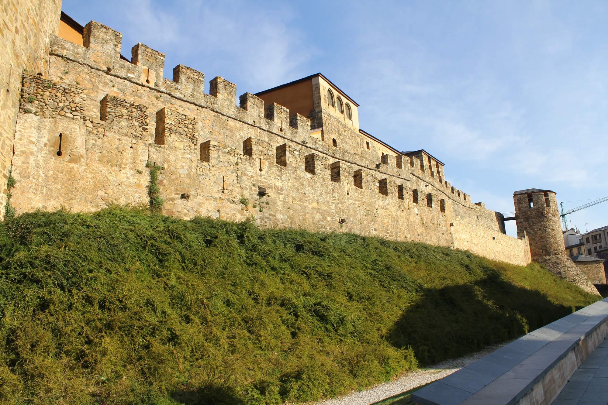 castle ponferrada2 Templar Castle of Ponferrada, Spain