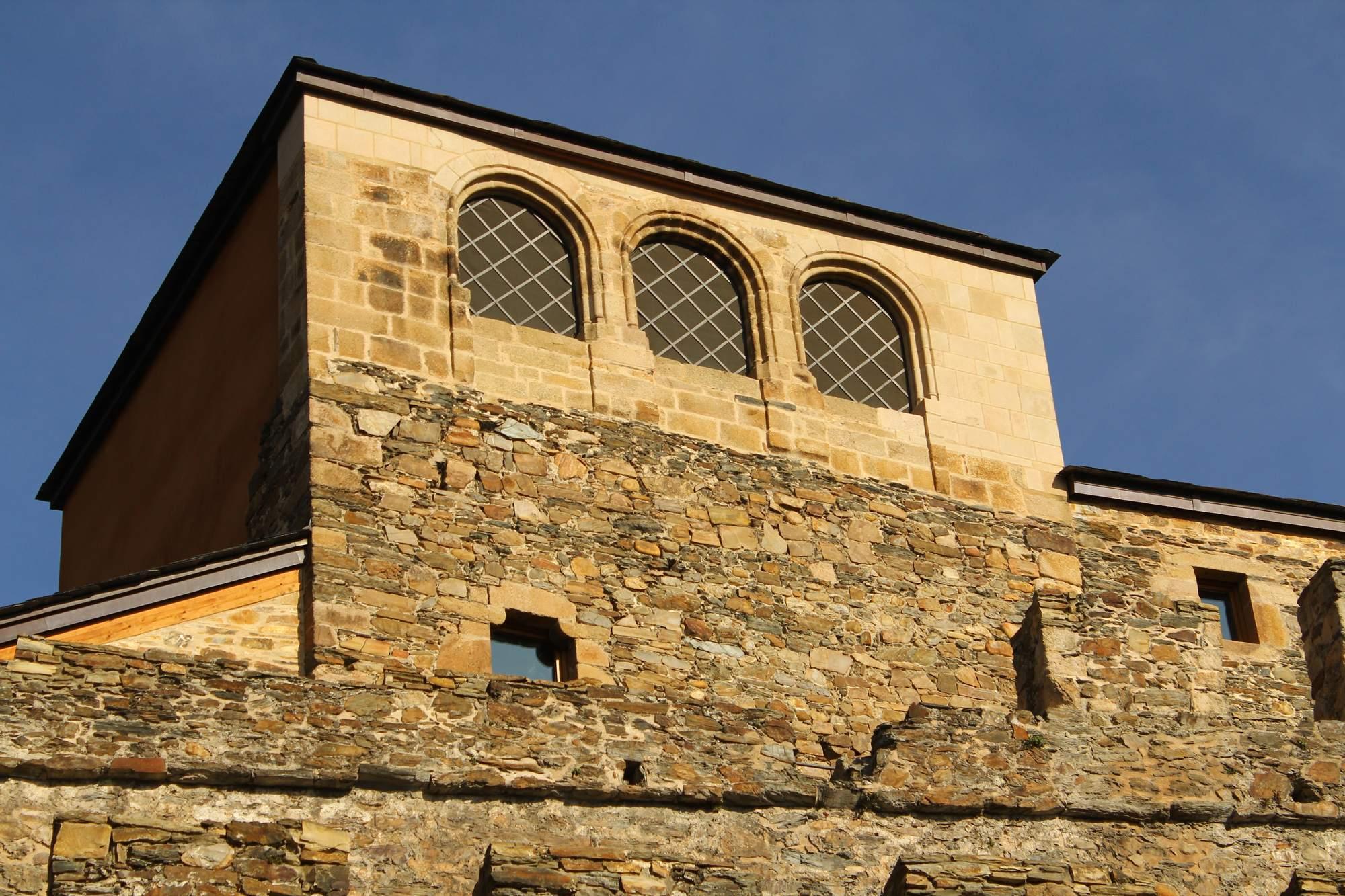 castle ponferrada5 Templar Castle of Ponferrada, Spain