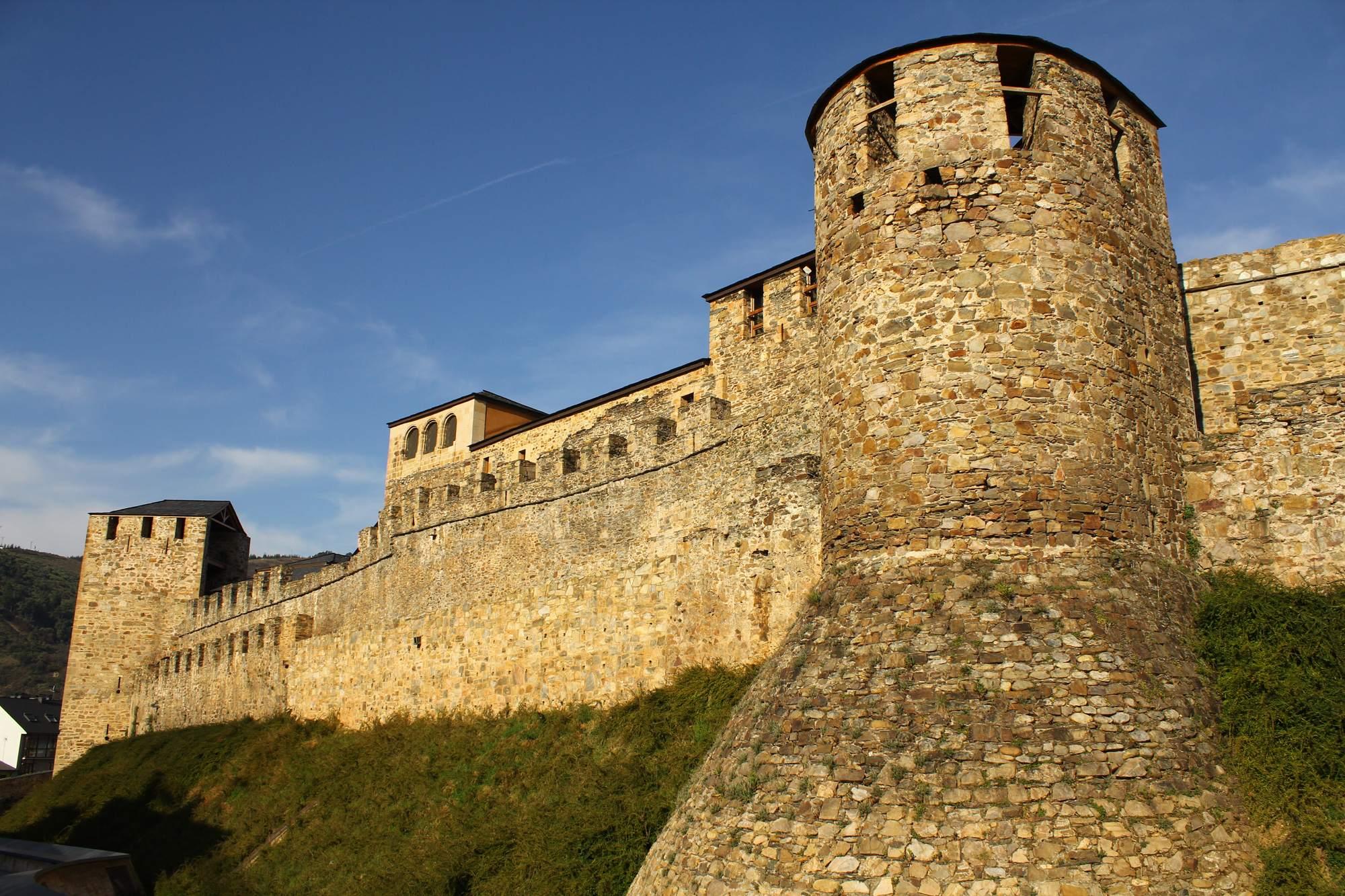 castle ponferrada6 Templar Castle of Ponferrada, Spain