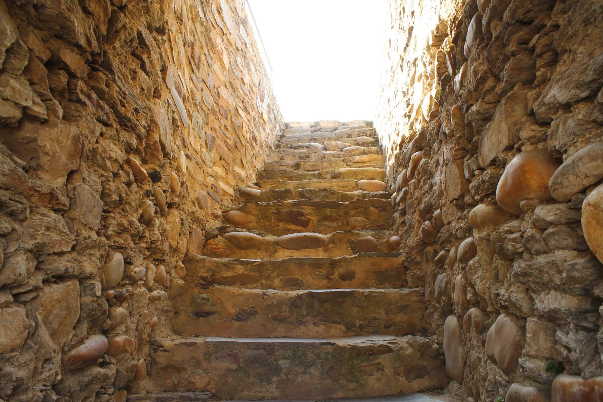 castle ponferrada8 Templar Castle of Ponferrada, Spain