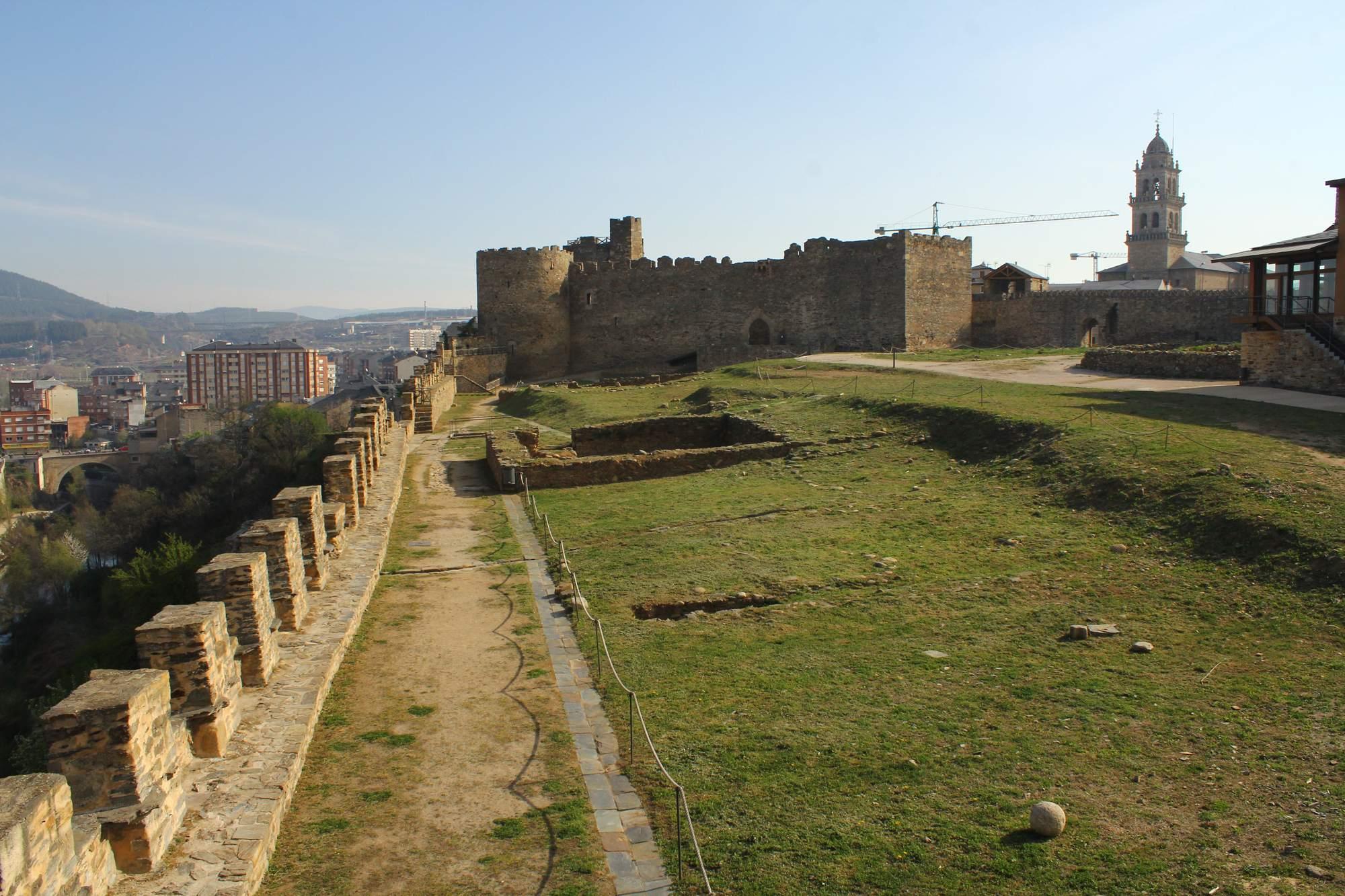 castle ponferrada9 Templar Castle of Ponferrada, Spain