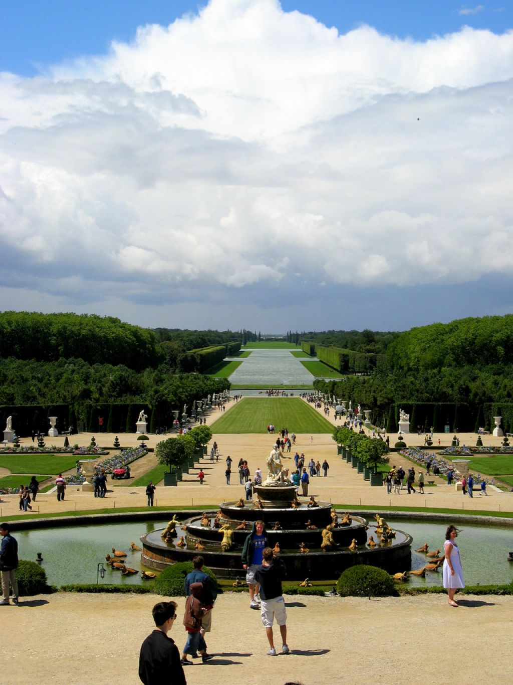chateau de versailles2 Versaille One of the Most Popular Visitor Attractions around Paris
