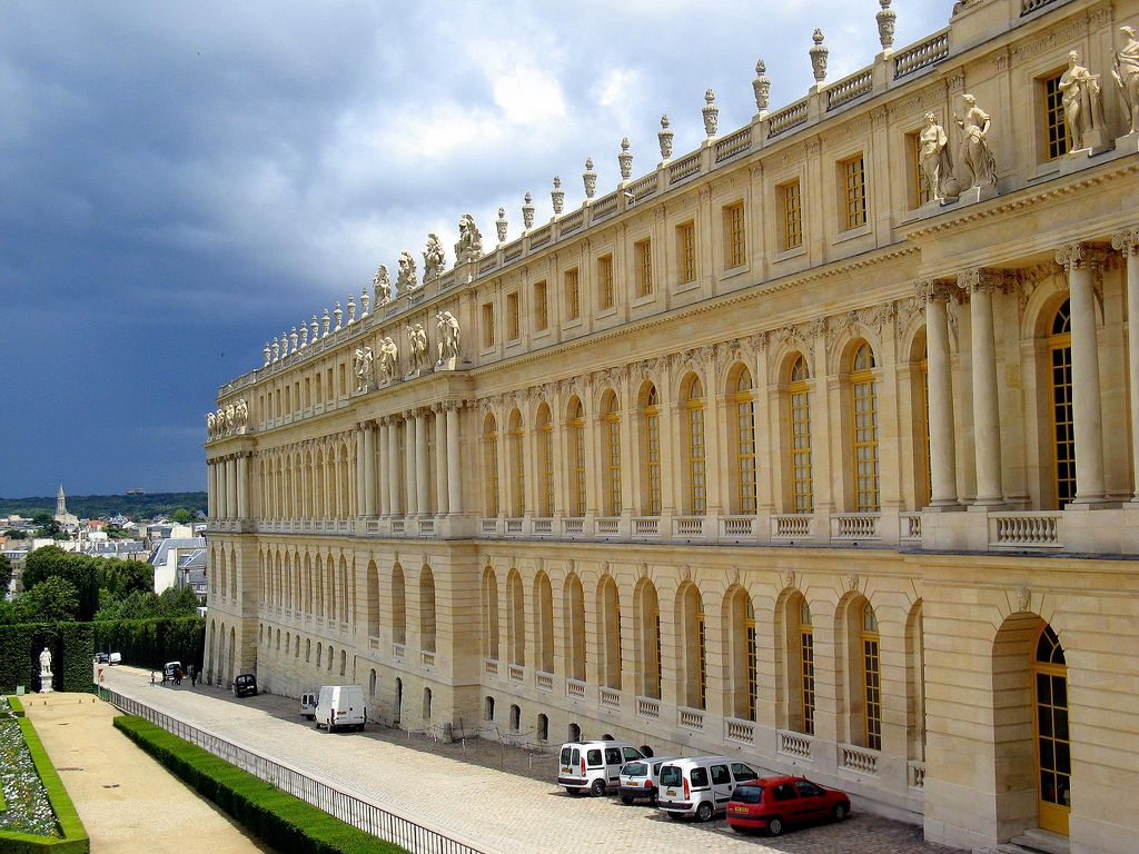 chateau de versailles3 Versaille One of the Most Popular Visitor Attractions around Paris