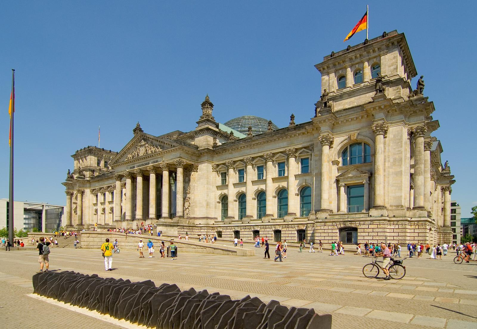 reichstag1 Visit the Reichstag in Berlin
