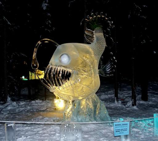 art on ice2 Beautiful Colored Ice Sculptures in Alaska