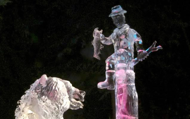 art on ice9 Beautiful Colored Ice Sculptures in Alaska