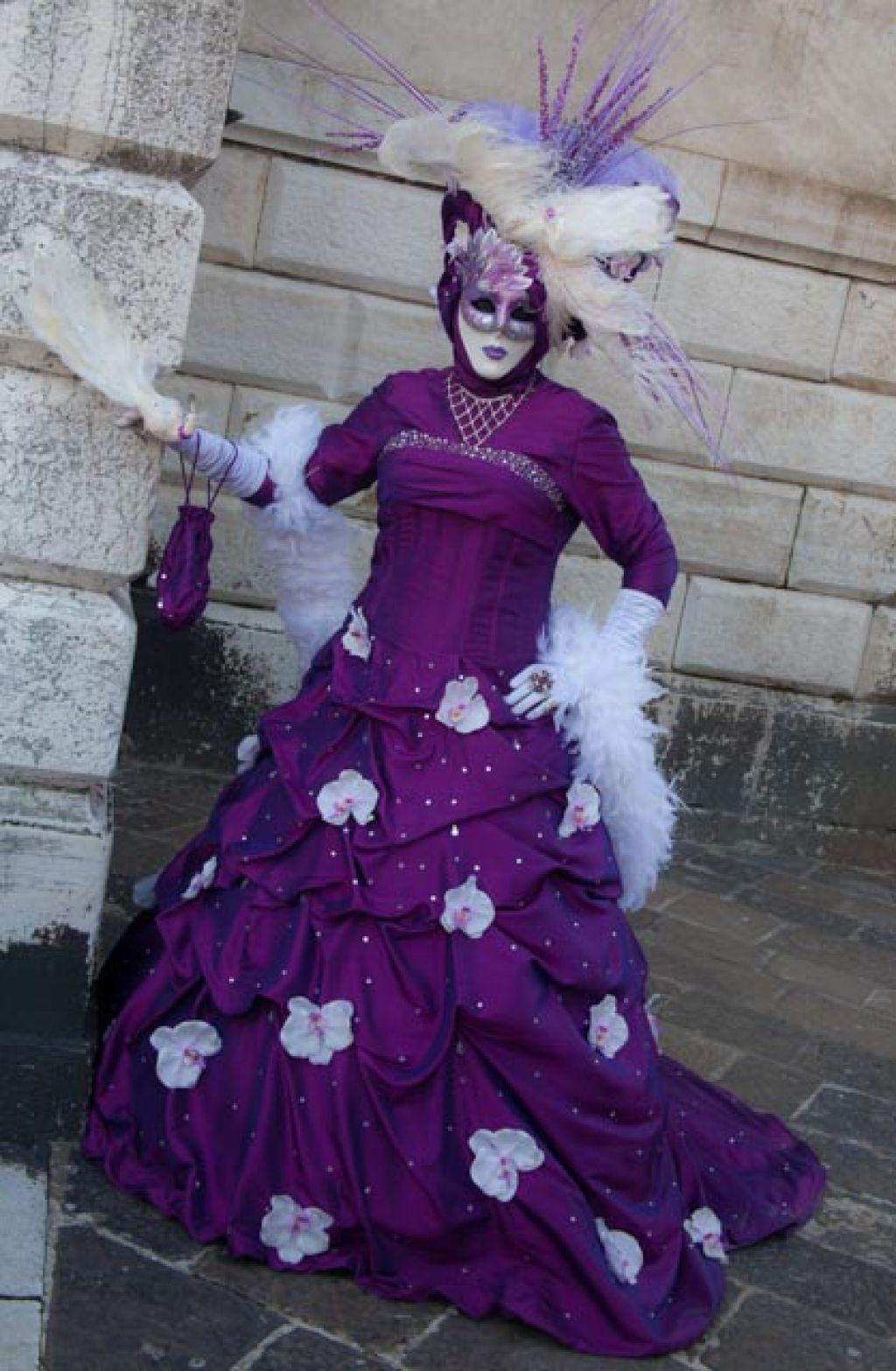 venice carnival2 Carnival Costumes at Santa Maria della Salute