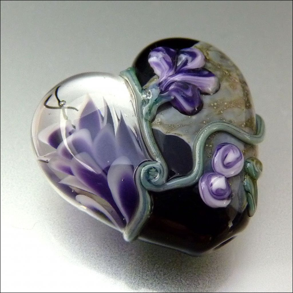 glass art18 Handmade Lampwork Hearts by Stephanie