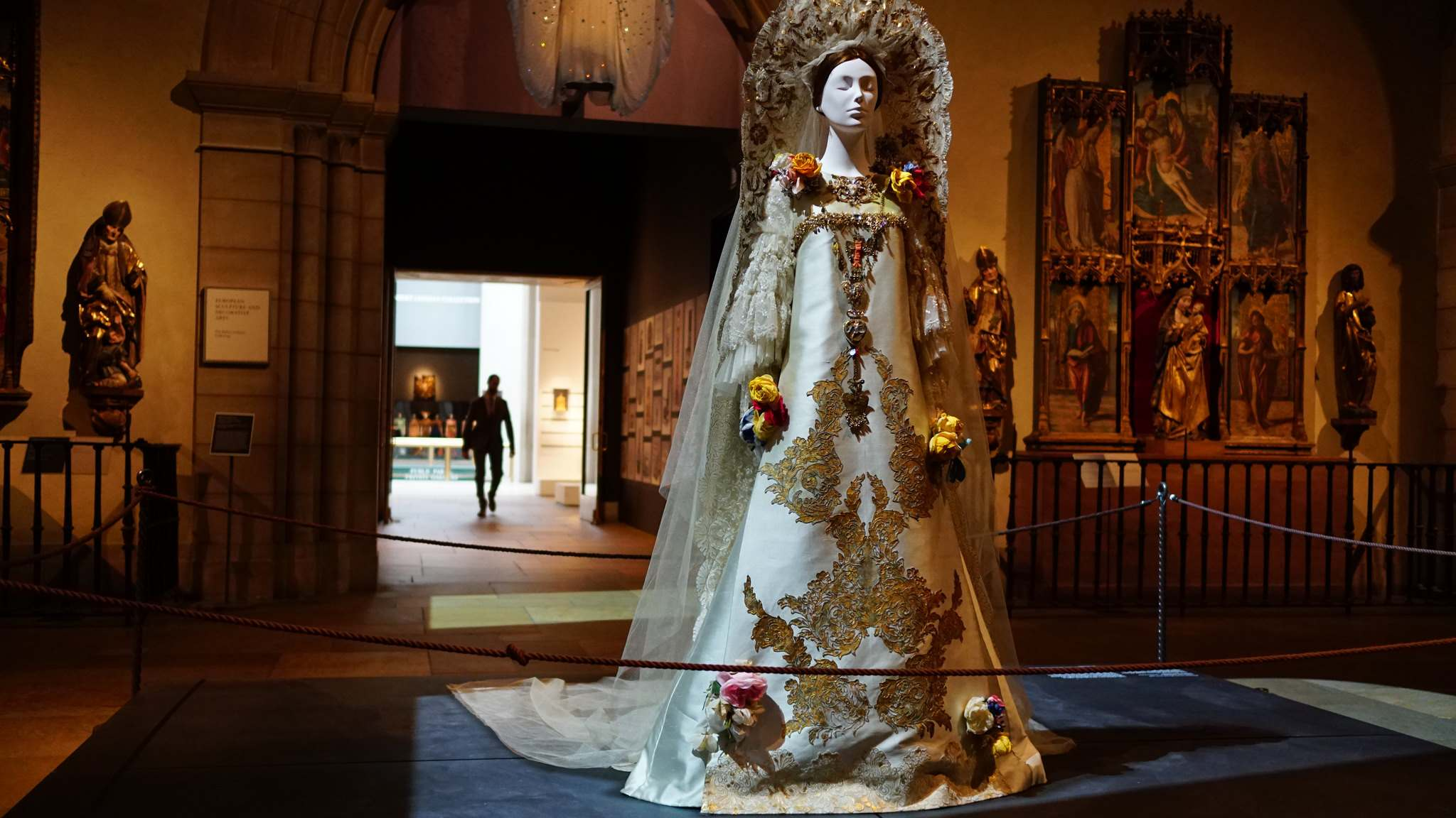 heavenly bodies1 Heavenly Bodies: Fashion and the Catholic Imagination in MET