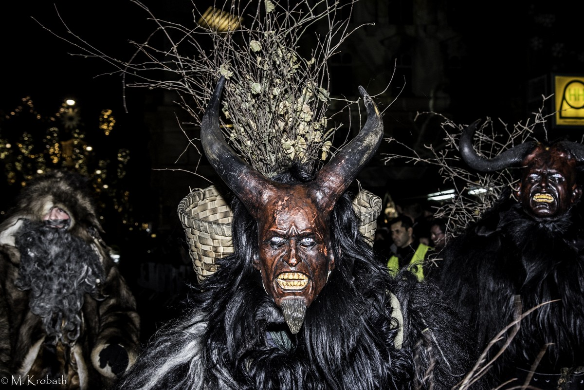krampus perchten12 Krampus and Perchten Run in Graz, Austria
