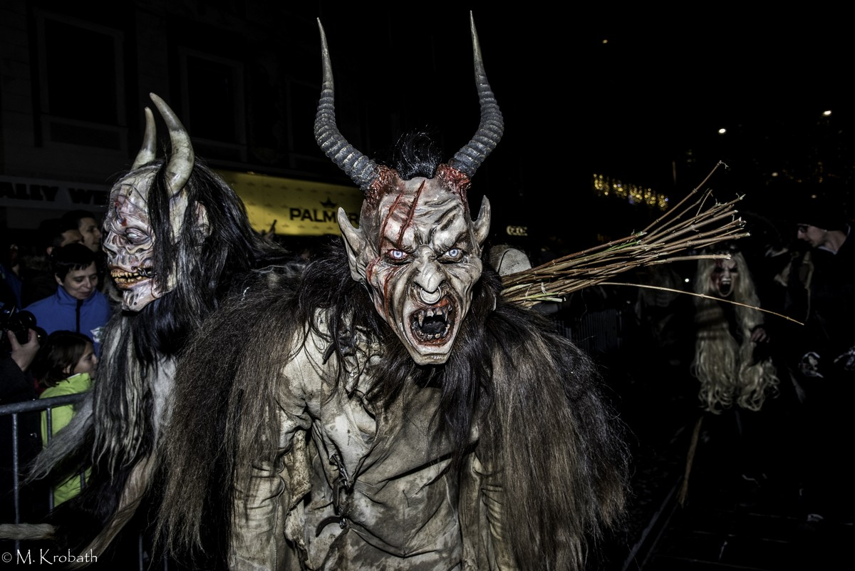 krampus perchten3 Krampus and Perchten Run in Graz, Austria