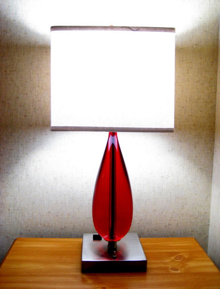 modern table lamps11 Modern Living Needs Modern Lamps Design