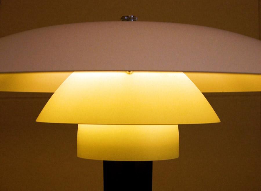 modern table lamps9 Modern Living Needs Modern Lamps Design