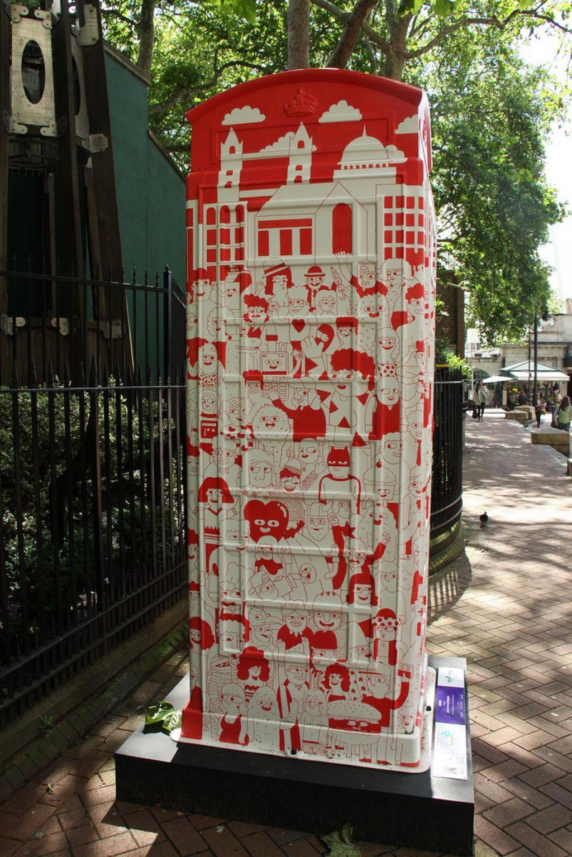 phone boxes13 Red telephone Boxes aka Street Art