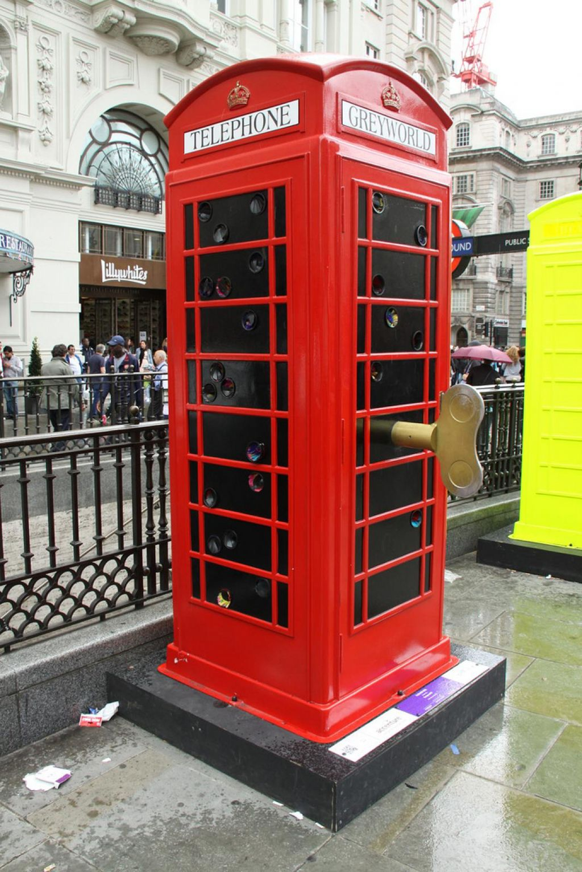 phone boxes21 Red telephone Boxes aka Street Art