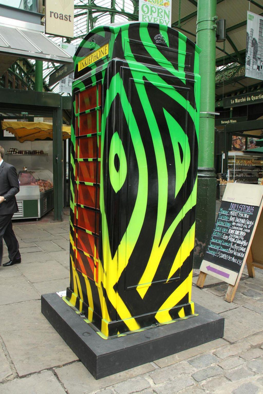phone boxes7 Red telephone Boxes aka Street Art