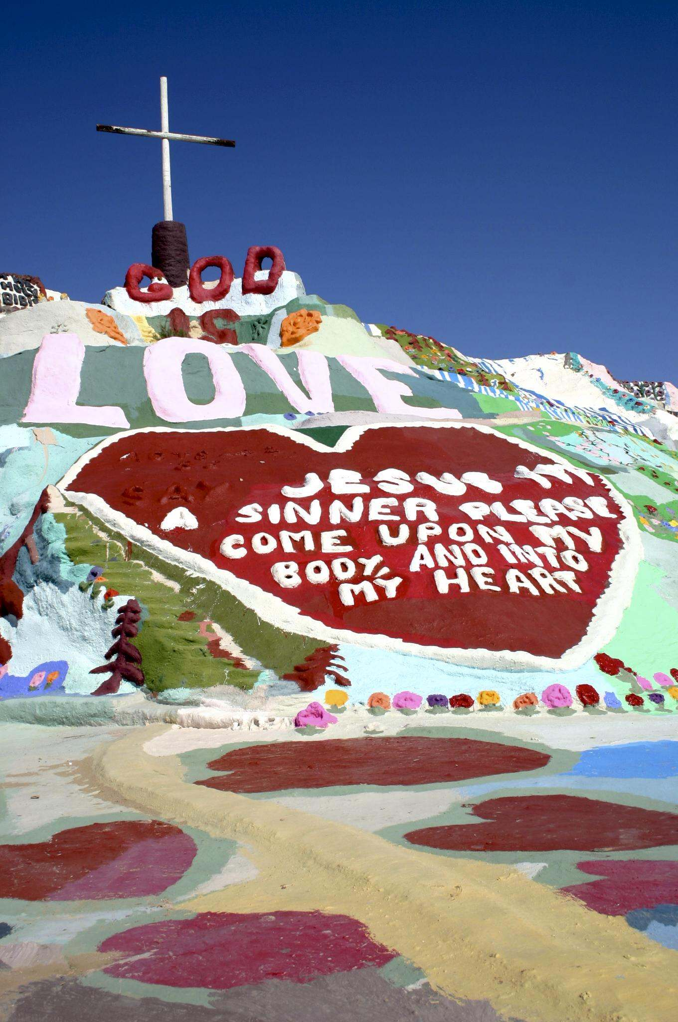 salvation mountain5 Truly Unique Salvation Mountain in California