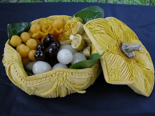 fruit carving7 Unbelievable Fruit and Vegetable Carving