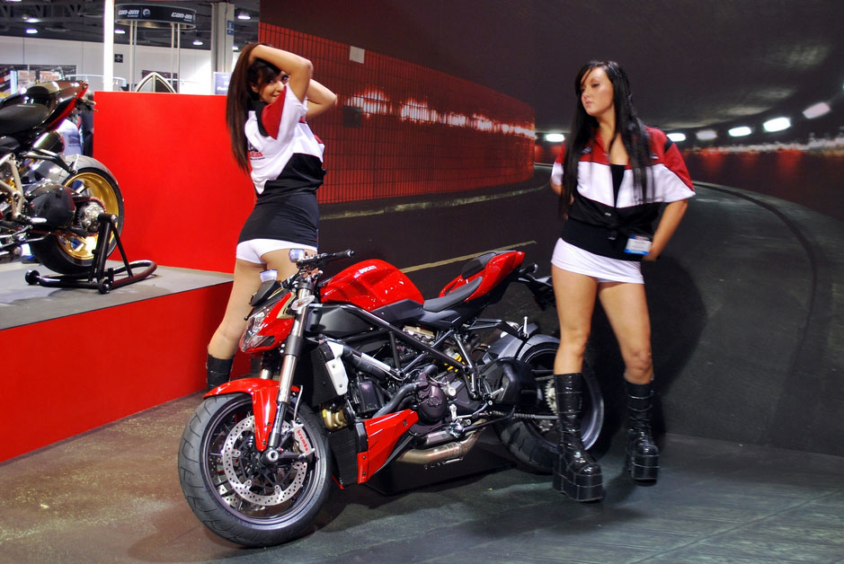 ducati monster4 Ducati Monsters vs Hot Bikini Models